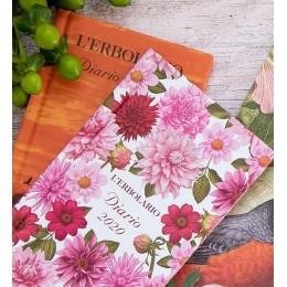 Kalendarz kieszonkowy z grafiką nowych kolekcji w prezencie przy zakupach powyżej 150zł!